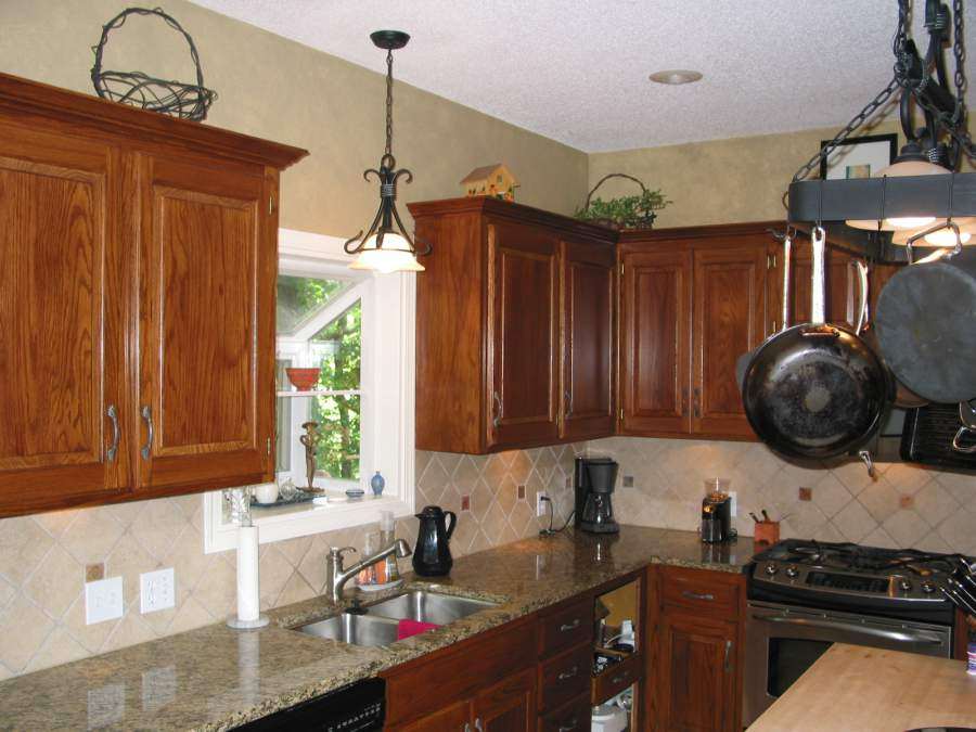 Cabinet refinishing dark oak cabinets kansas city for Dark oak kitchen cabinets